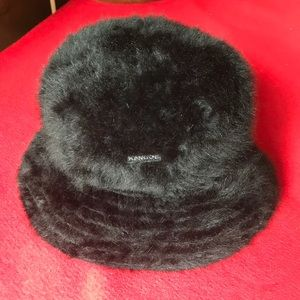 Beautiful Black Angora Blend Kangol Casual Hat OS